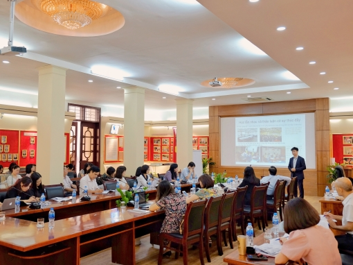 CIG meets with the President of Vietnam's National Academy of Public Administration (NAPA) and conducts working session for NAPA lecturers