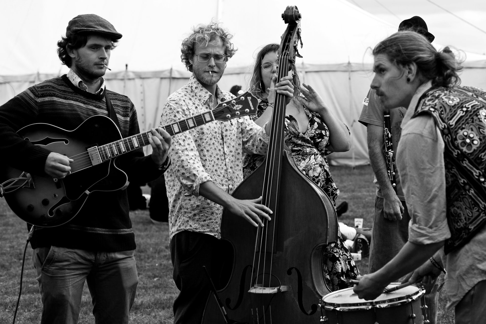 The Gin Bowlers bring you Trad Jazz, hot Jazz and party vibes with serious swing!