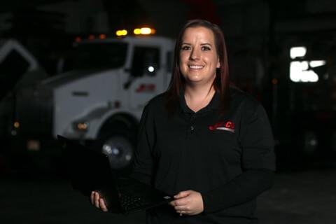 JE-CO Truck & Trailer office staff