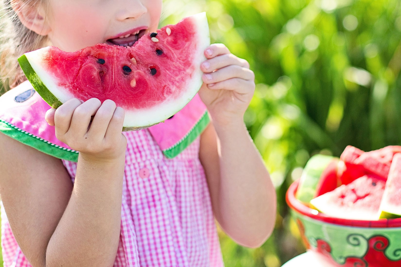 Why is it important to feed your kids a variety of foods from the 5 food groups?