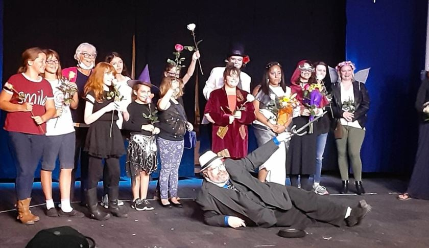 Photo of the SV Theater cast
