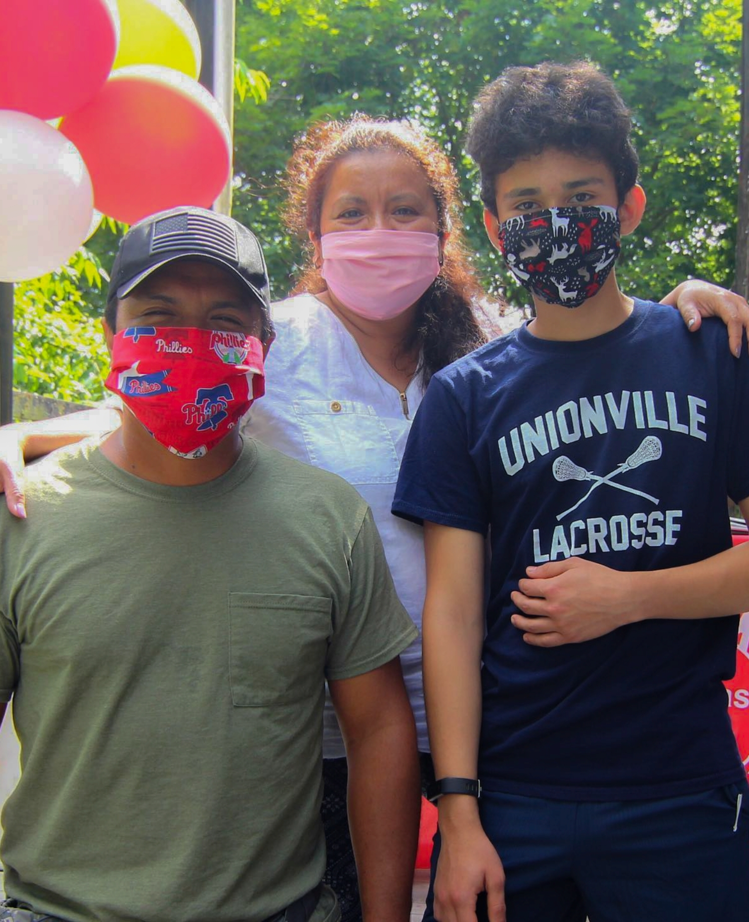 hispanic family of three - family unidas program