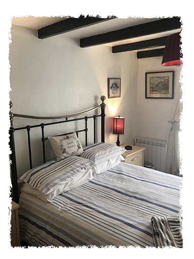 The bedroom in Kessen Bowl in Staithes.