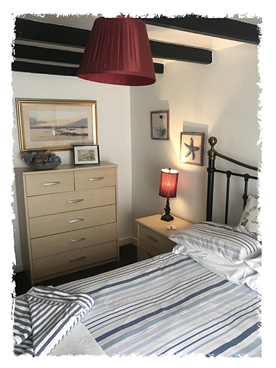 Another view of the bedroom in Kessen Bowl in Staithes.