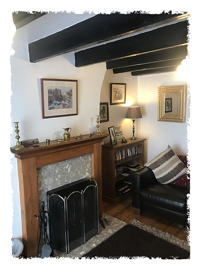 Yet another view of the lounge in Kessen Bowl in Staithes.