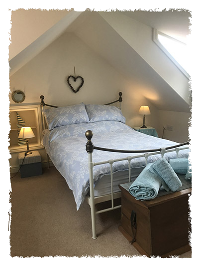 A view of another bedroom in Sunnydene Cottage, Staithes.