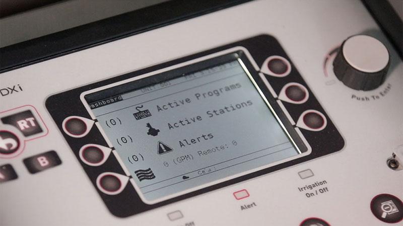 DXi LCD Display close-up