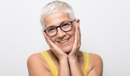Picture of a happy lady with glasses