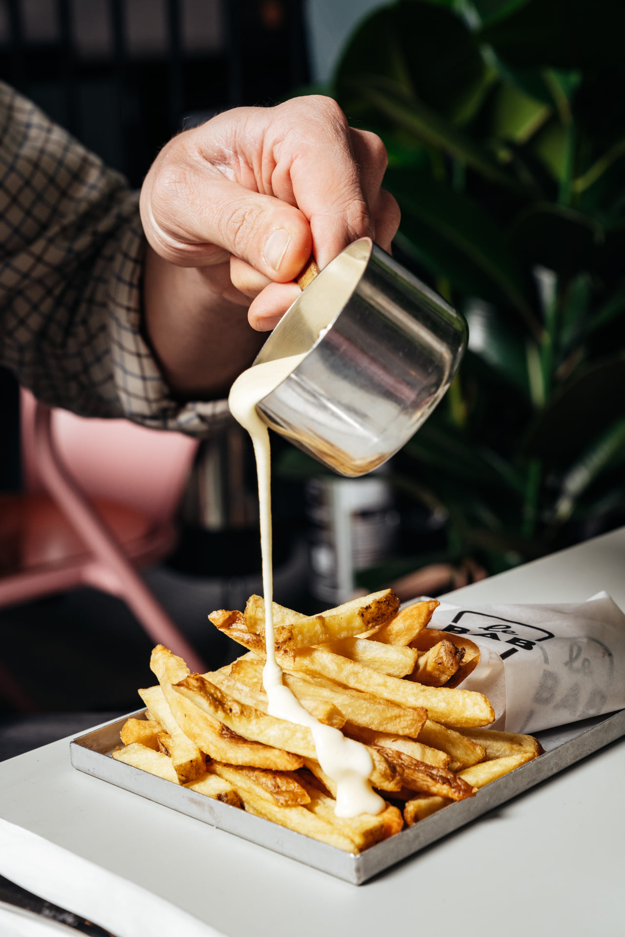 Le Bab cheese fondue on chips