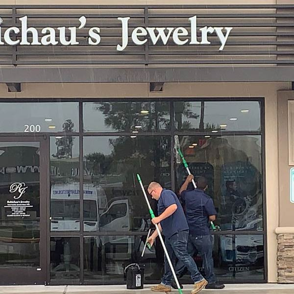 Commercial window cleaning in the Greater Houston Area