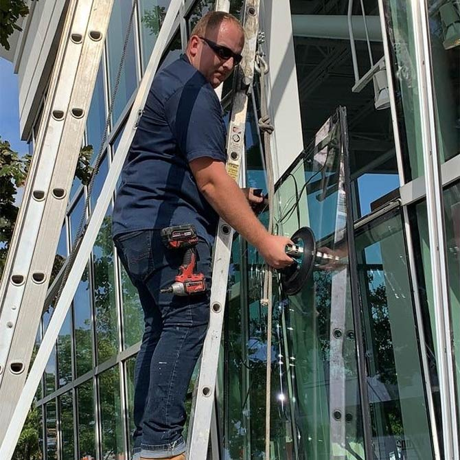 Glass replacement in the Greater Houston Area