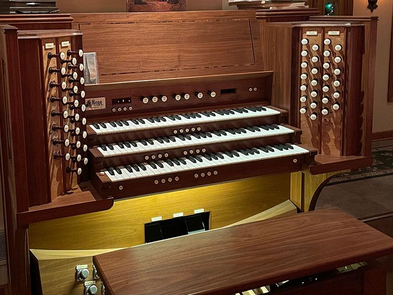 Kegg Pipe Organ Console