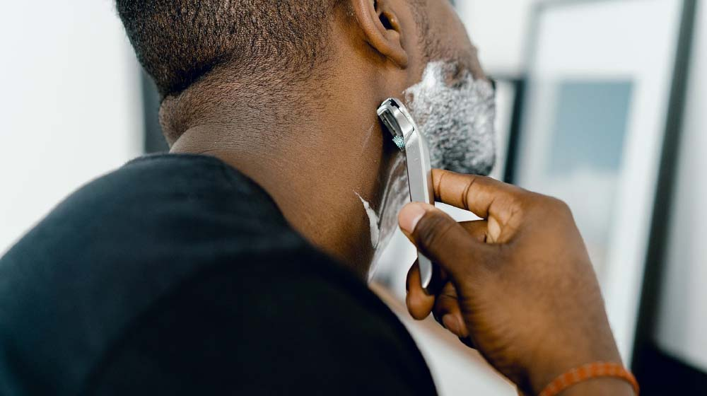 Understand the Men's Grooming industry's paid social campaigns.