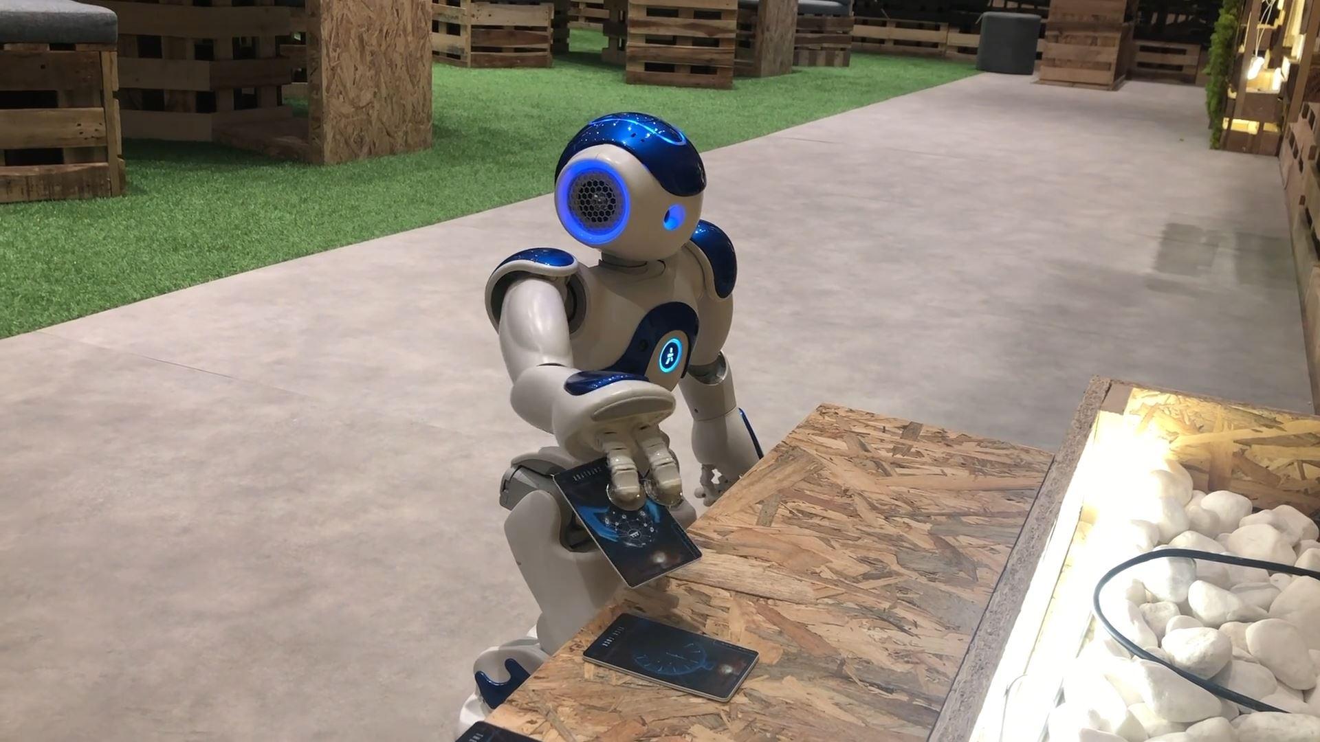 sharjah e-Government retreat interactive technology integration robot tarrot cards