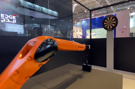 robto darts with AI support