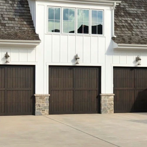 A beautiful three-garage door house in Charlotte, NC.
