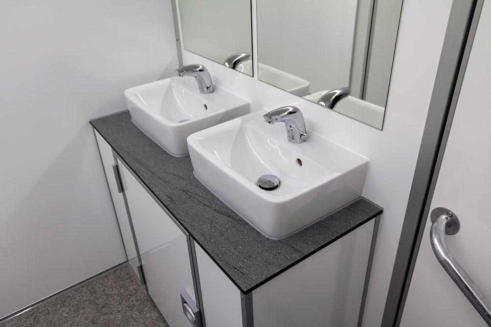 Berøringsfrit toilet håndvaske