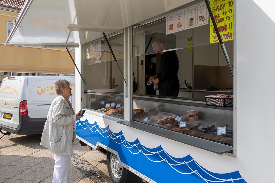 Foodtruck servicering af kunde