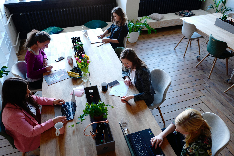 Working office women