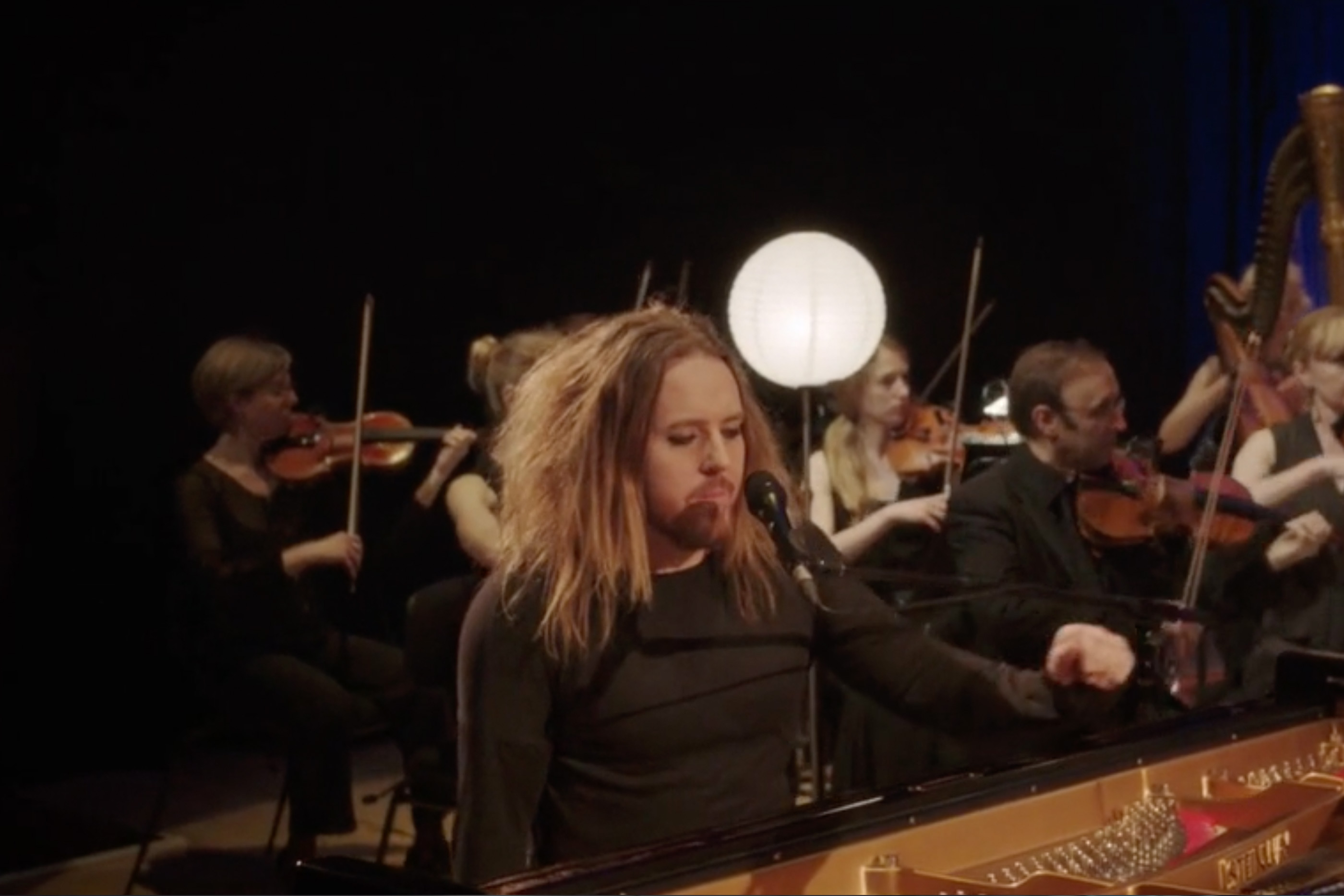 The Fading Symphony hero with Tim Minchin at piano