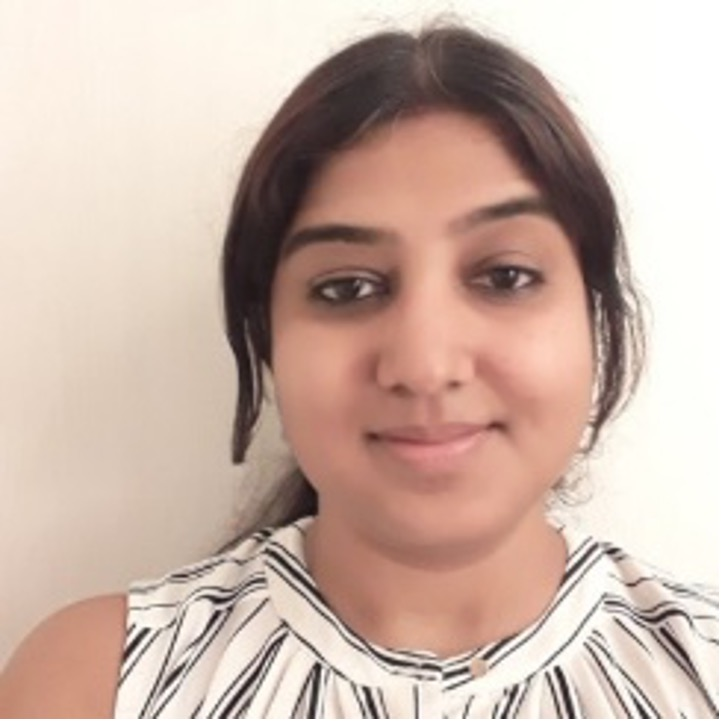 Pravithra Ahuja Headshot