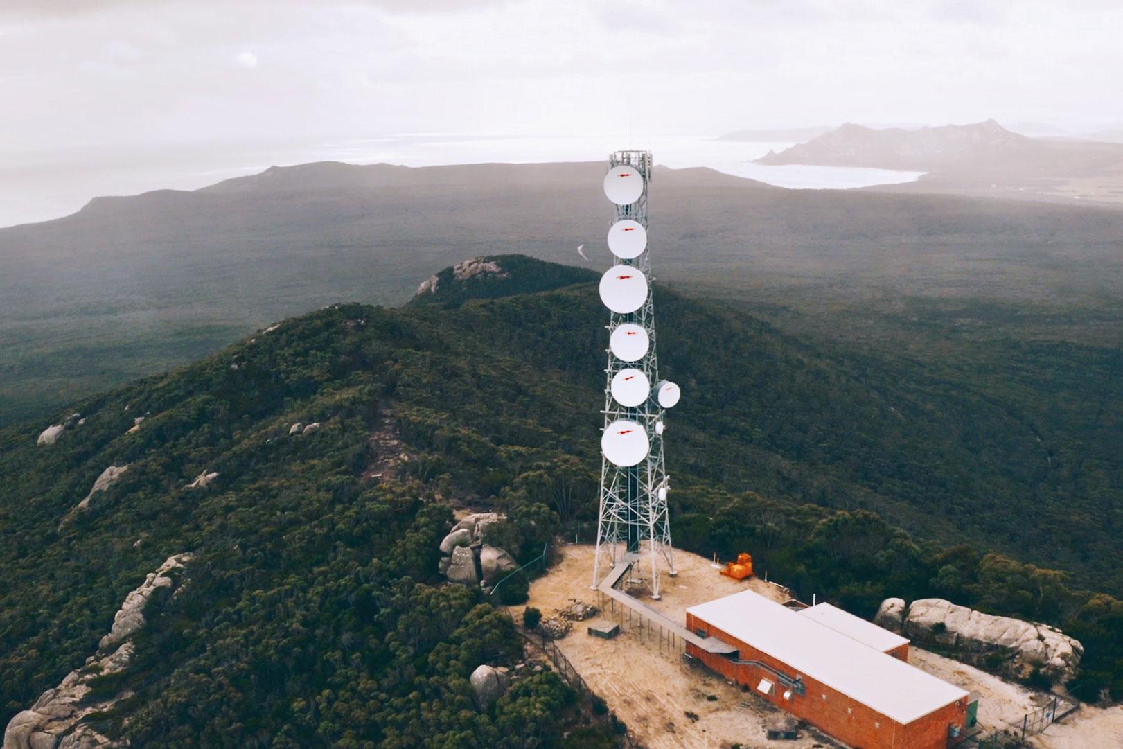 An Amplitel tower in an alpine setting