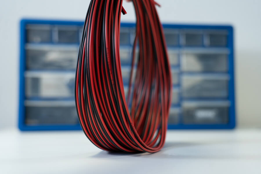 1m Black and Red Speaker Cable