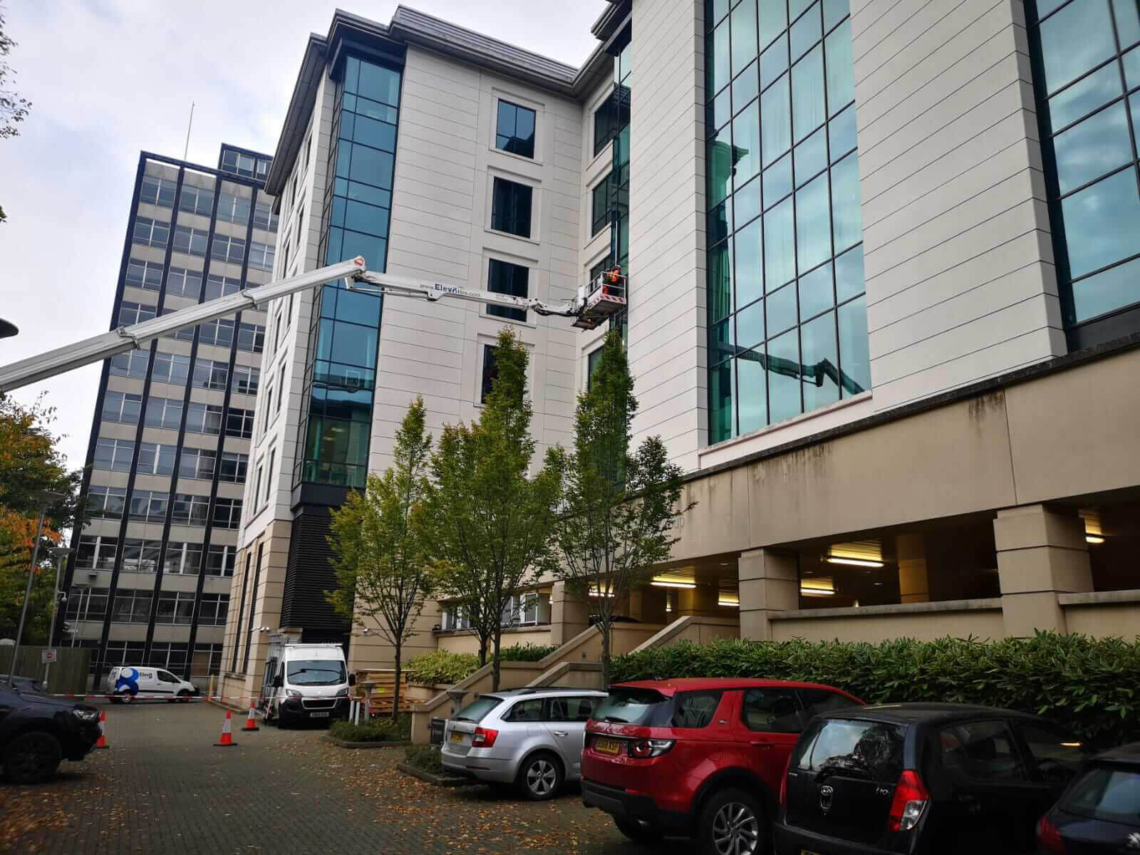 The GR Emergency Response Team were contacted by one of our long-standing Clients to deal with a high level oversized glass panel breakage.