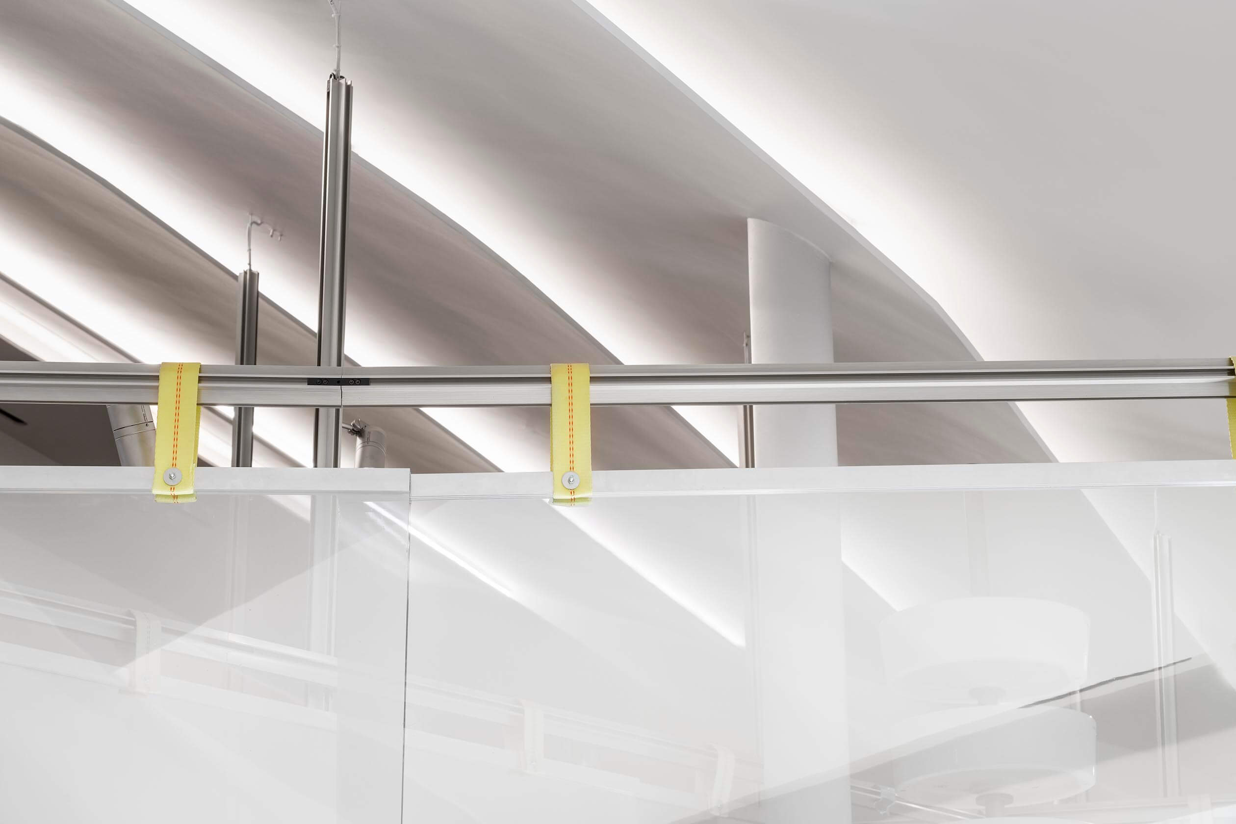 Detail of light installation system that allows the flexible hanging.