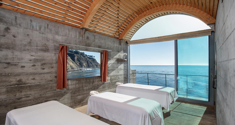 Esalen room display overlooking the ocean