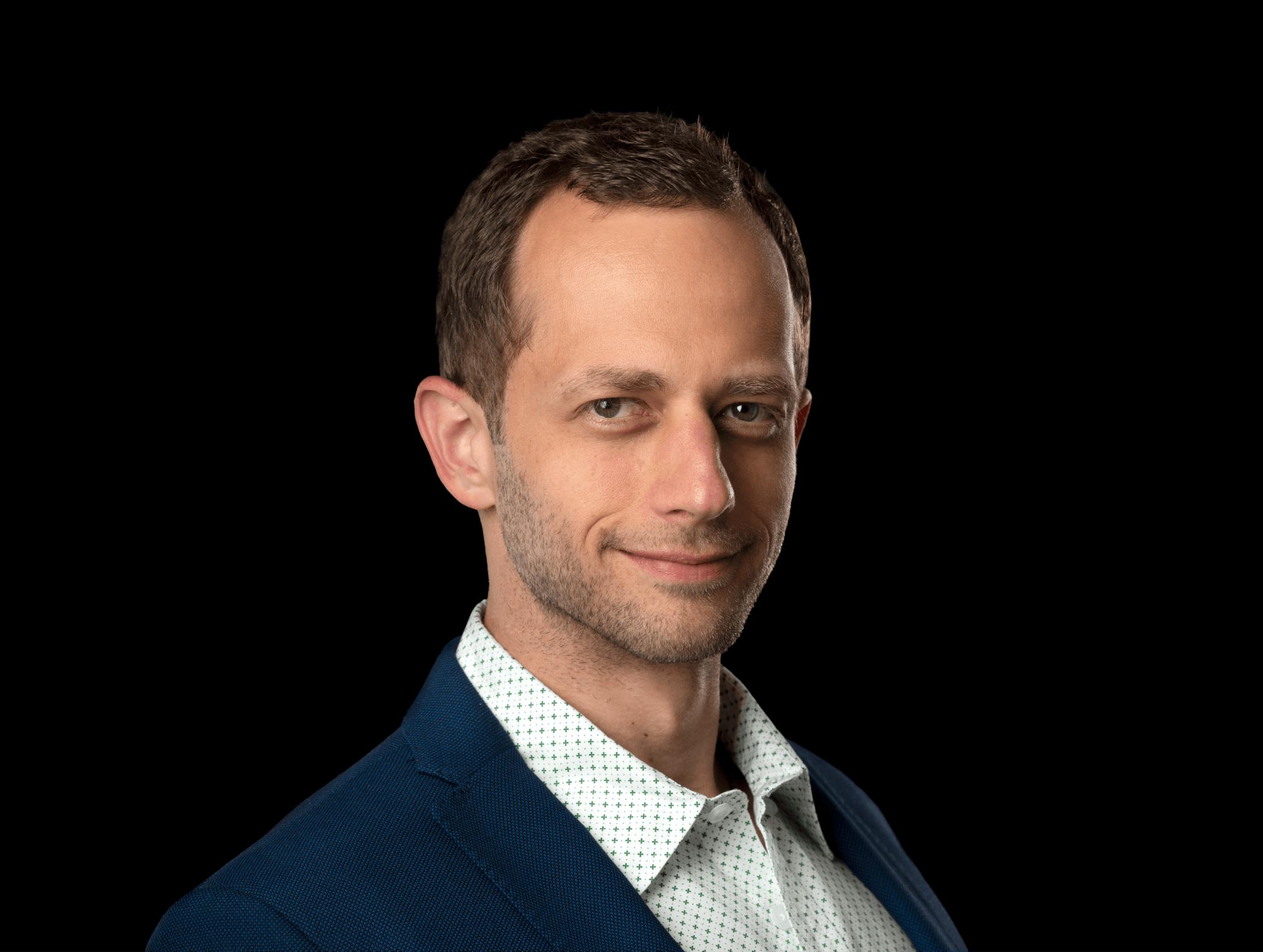 Author Dan Michaeli