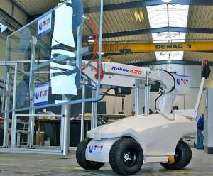 De Robby 420 glasrobot is de perfecte hulp bij glasmontage. Huur de glaslift bij Ventura verhuur voor een vanaf prijs van 275,00 per dag.
