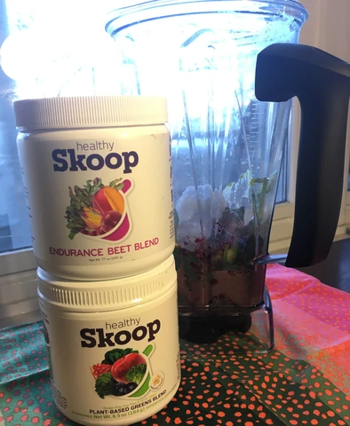 healthy skoop containers and blender
