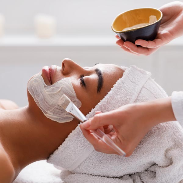 Deep facial cleansing of a woman in Chandler.