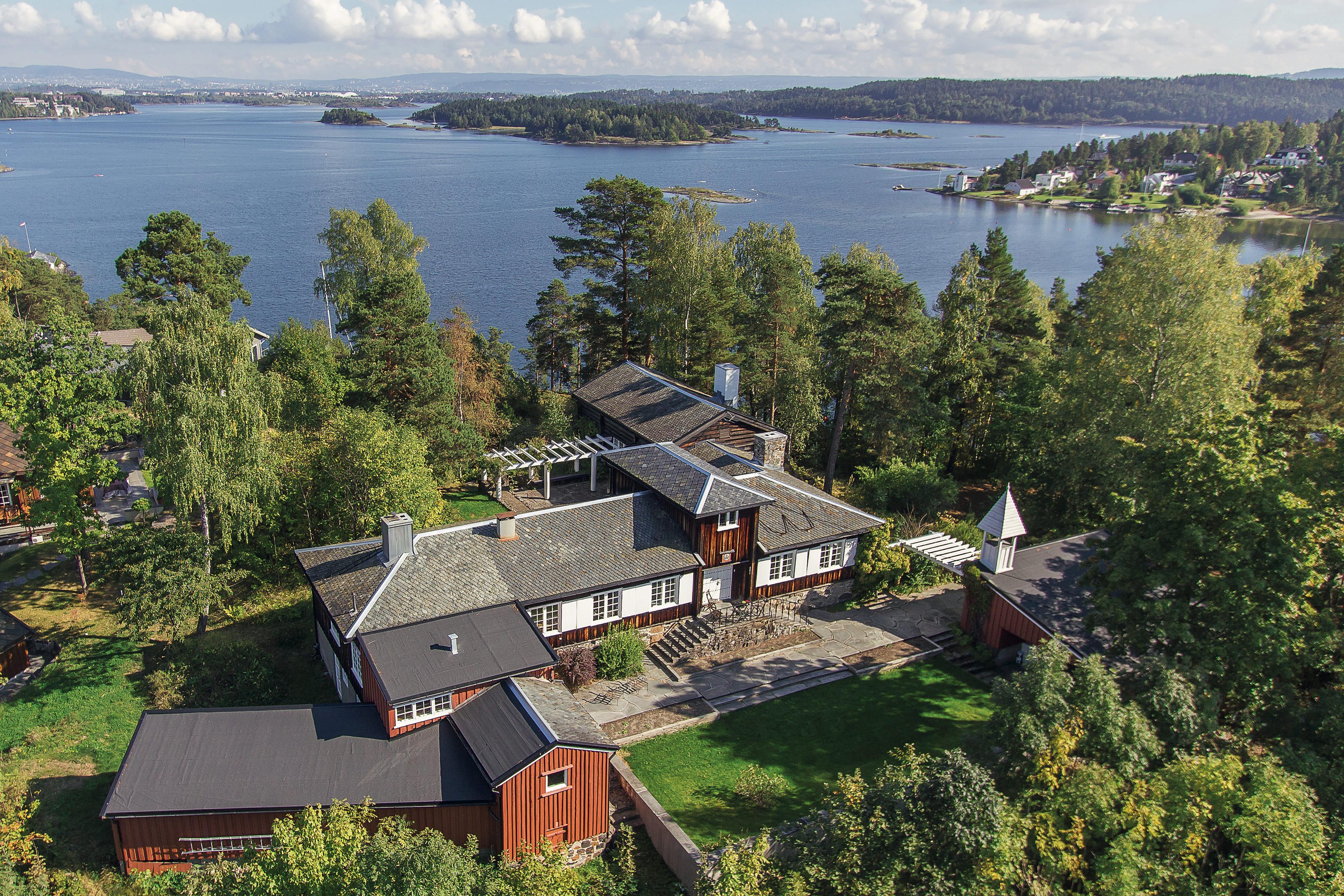 Herrodd - Poulssons eget hjem på Nesøya.