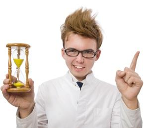 Le temps nécessaire pour développer une application mobile varie généralement entre 3 et 9 mois, mais combien de temps prend réellement chaque étape du développement ?