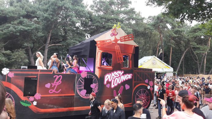 Decibel 2019, de Pussy Lounge parade.
