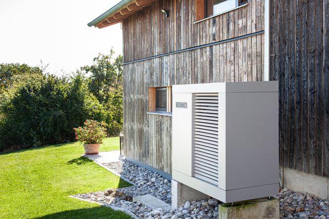 Brunner Wärmepumpe Luft/Wasser Aussen aufgestellt