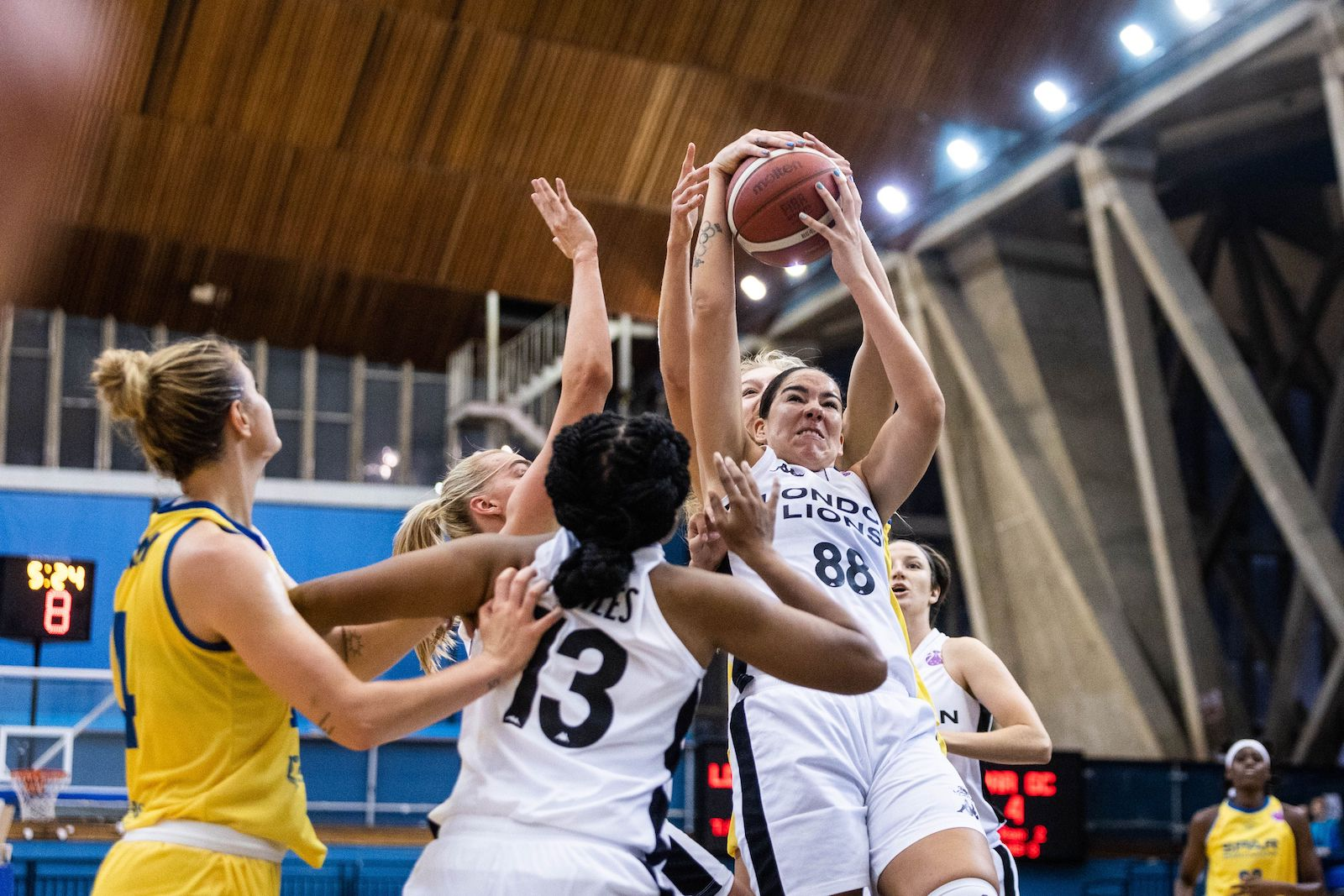 Lions to take the win over Gran Canaria in EuroCup Qualifer