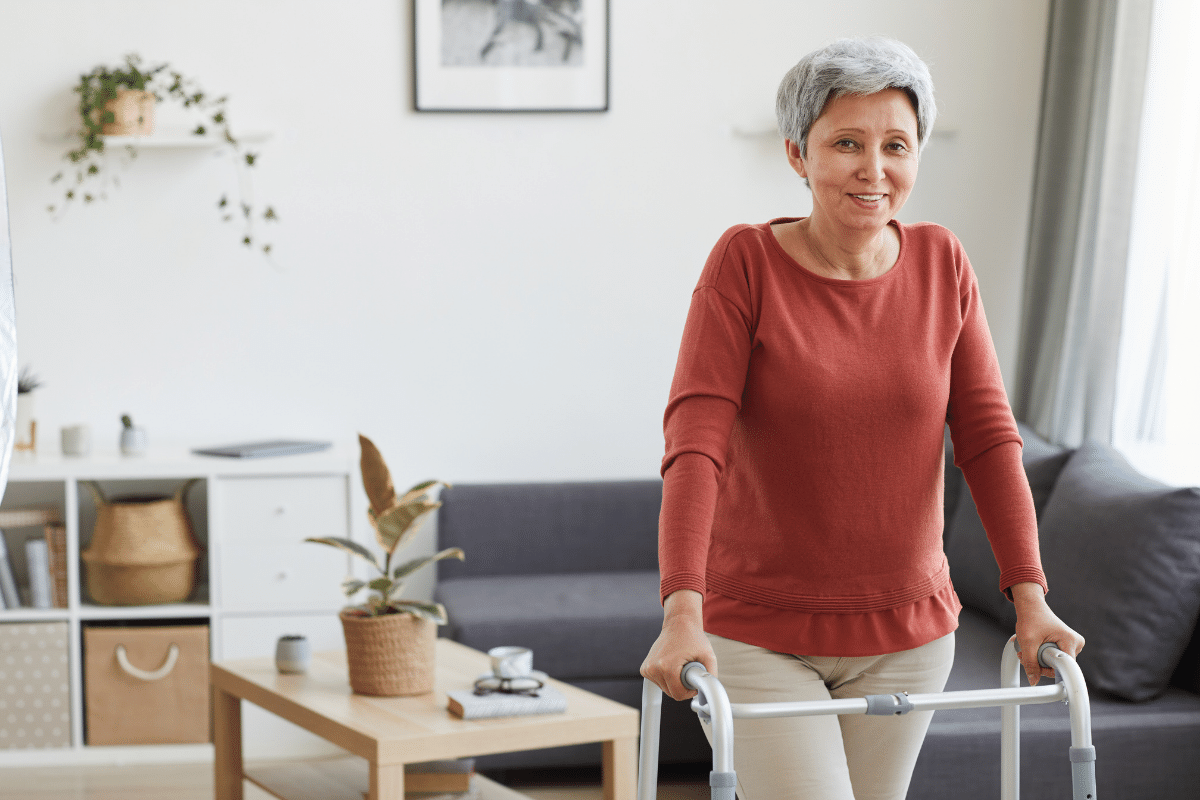 Coming home after a total hip replacement (THR) can be really intimidating. So here are a few quick tips from our expert physical therapy team to help make the transition to home smoother.