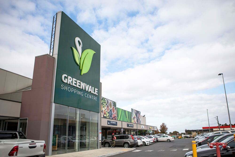 Greenvale Shopping Centre front view