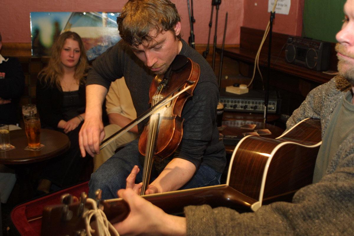 Traditional Irish Music in Irish pub