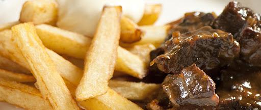 Stoverij met frieten - Marc de Bel