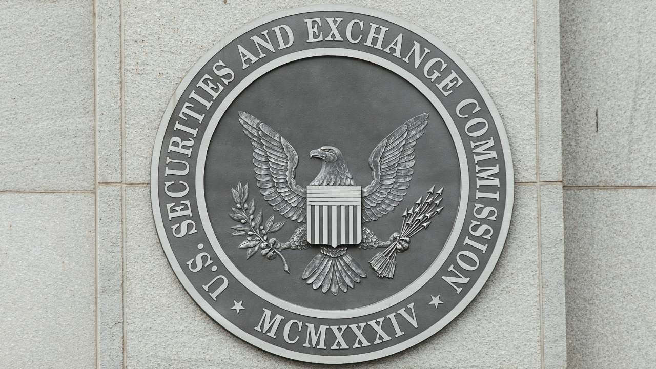 US SEC Commissioner Says Bitcoin ETF Approval Long Overdue – Regulation  Bitcoin News