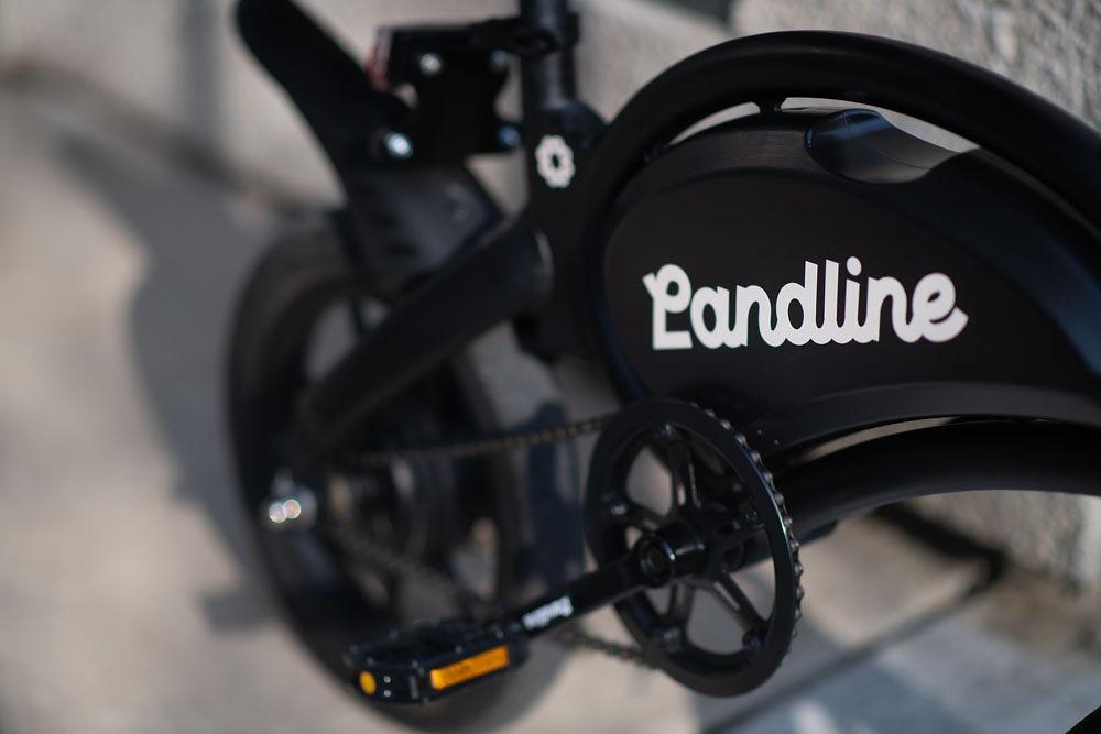Landline Runner Image