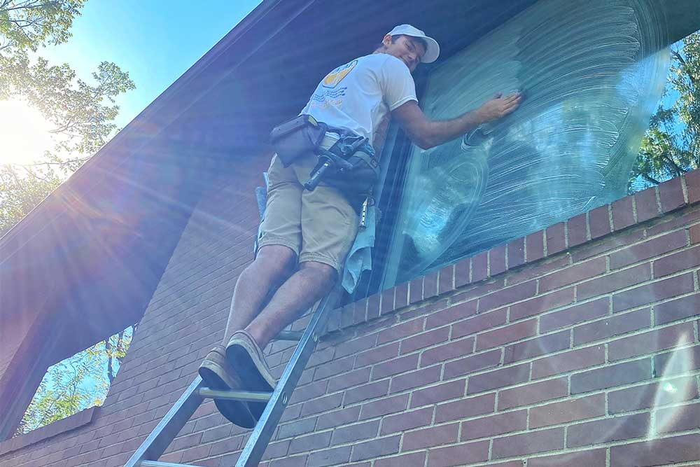 Residential window cleaning in North Pittsburgh